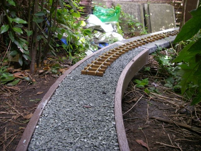Ground Level Ladder Frame Track Bed