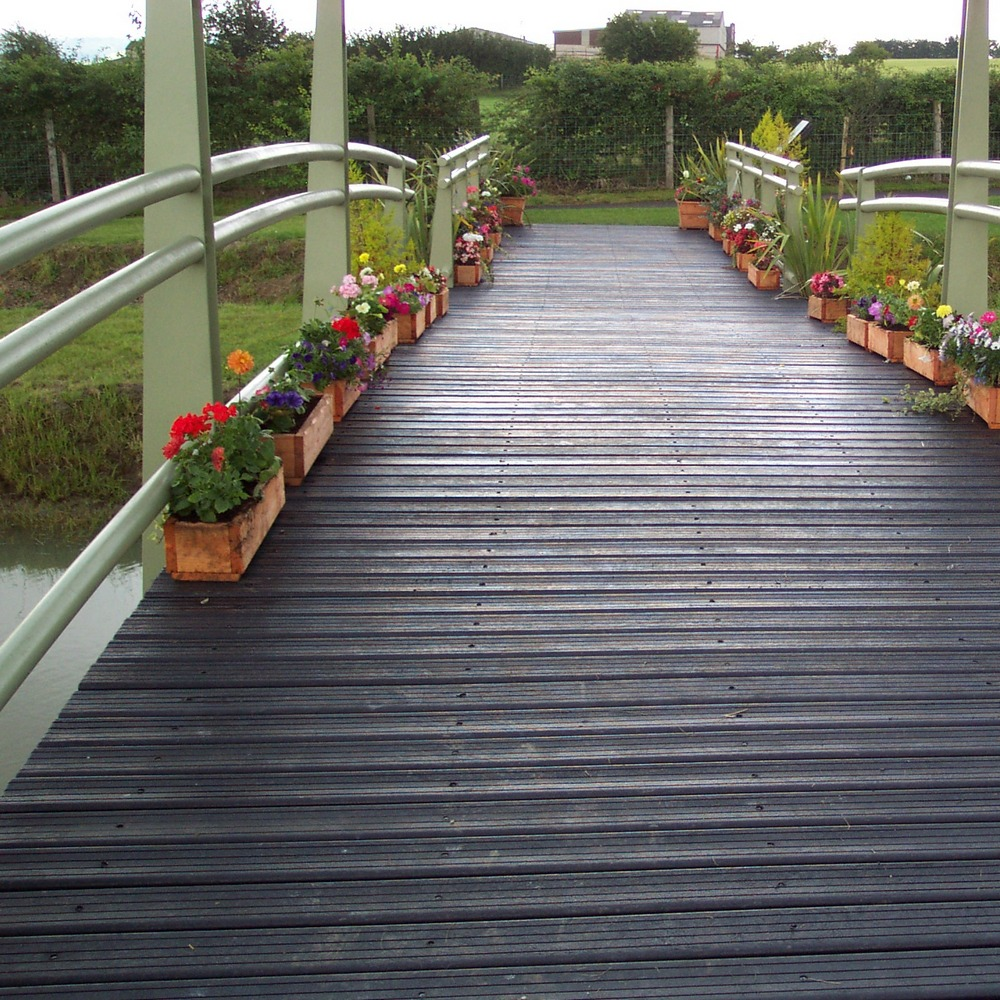 Grooved decking price per sq. m: Black 27mm x 150mm