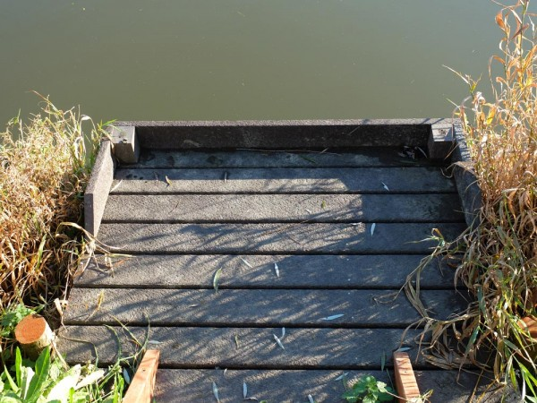 Waveney 1.5m x 1.2m Platform 1m and 1.5m Posts Self Assembly