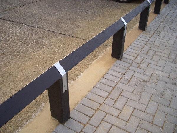Knee Rail Fence V-Top Post 100mm x 100mm x 1.25m Brown
