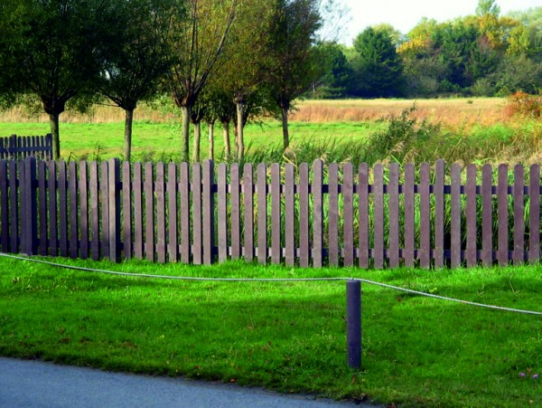 Fence Pale with Round End Brown 30mm x 100mm x 1000mm